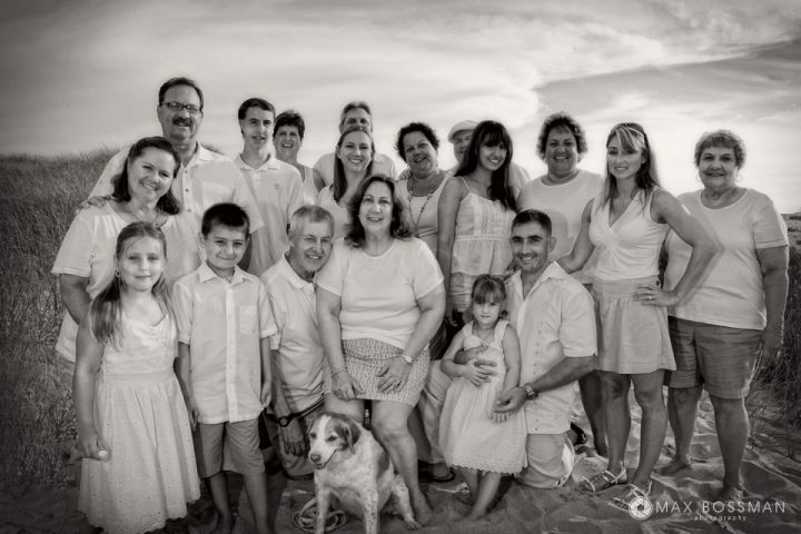 Multi-generational family reunion beach photo shoot on Martha's Vineyard